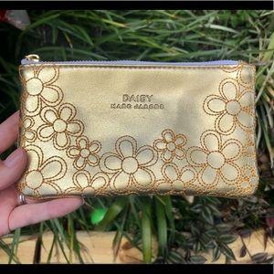 Marc Jacobs Daisey Gold Perfume Bag 😍
